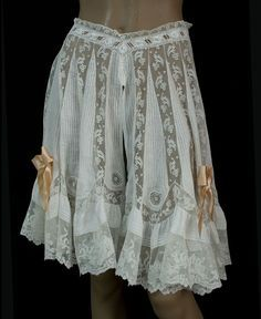 Fancy knickers with alternating panels of lightweight cotton batiste and fine Valenciennes lace, c.1905. From the Vintage Textile archives.