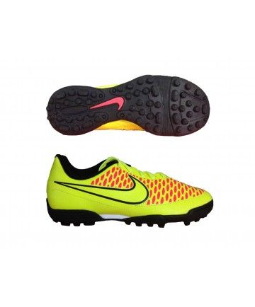 the trainers are very beautiful have polkadot of colors there of size 22-27 are of the brand nike they are special to soccer the price is of $800