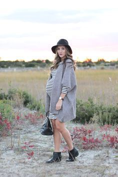 Fall maternity style with the perfect pair of black booties, Clarks Gelata Freeza | Fall Maternity Style | Maternity Fashion Tips || Lauren McBride