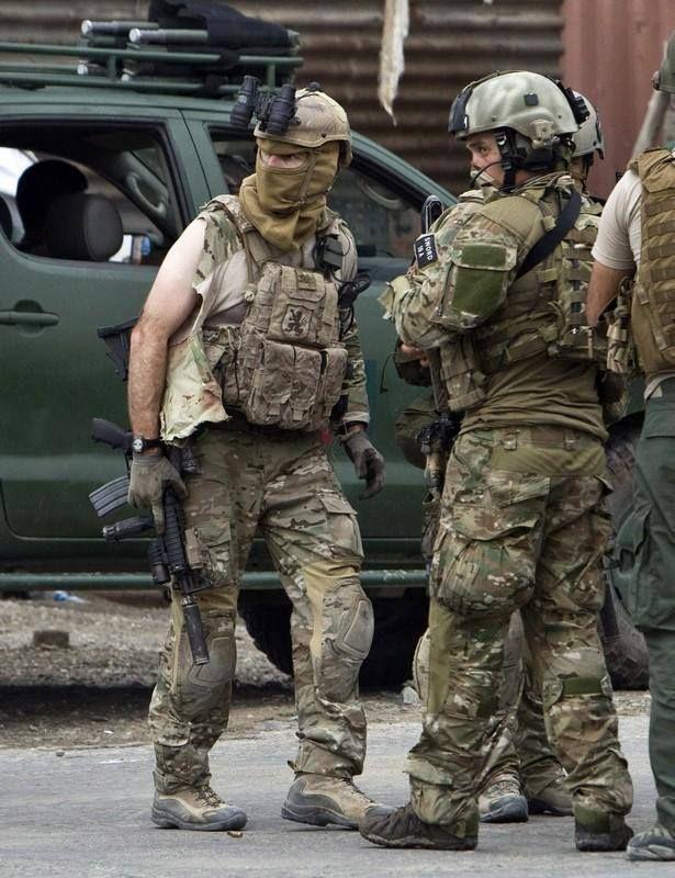 U.S. DEVGRU and British SAS after a gun battle with Taliban in Kabul Afghanistan 14/9/2011 (615x800)