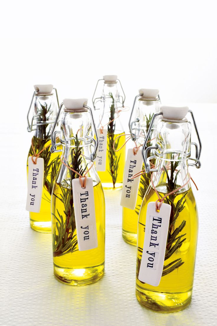 Olive oil and rosemary favors for your guests. Create an Italian specialty with a few snips of herbs and olive oil.