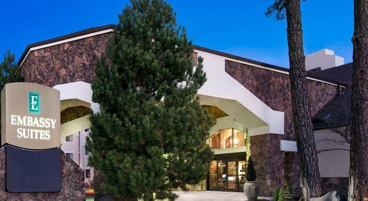 Embassy Suites Flagstaff Flagstaff Located adjacent to Northern Arizona University, and 1 mile north of 1-17 and I-40, this Flagstaff all-suite hotel features free Wi-Fi in all guest rooms and a daily, made-to-order hot breakfast.  A 42-inch flat-screen TV is featured in each suite.