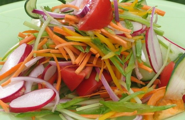 Try this Rainbow Salad to really add some colour to your picnic. http://gustotv.com/recipes/sides/rainbow-salad/