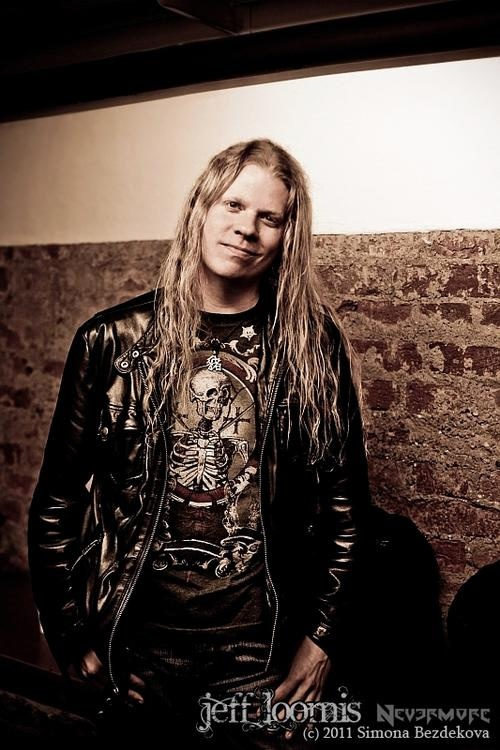 Badass guitar player!!