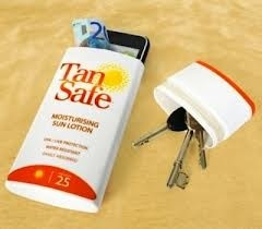 Old lotion bottle for keys, phone, or money! Great idea for the beach! ;)Pour la plage!