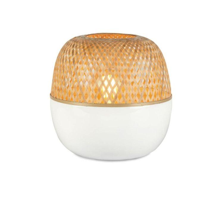 La marque néerlandaise Good & Mojo présente sa lampe à poser Mekong S !  Ce luminaire composé de bambou reflète la nature et la tranquilité ! Son nom fait référence au fleuve asiatique Mekong…  #mekong #good #and #mojo #lampe #poser #à #blanc #white #bambou #bamboo #naturel #natural #design #contemporain #contemporaine