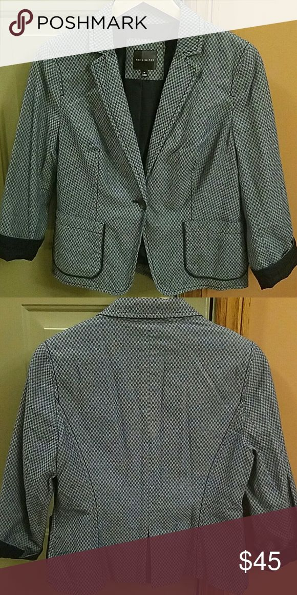 "The Limited Navy Blue & Gray print Blazer Jacket Sharp career Navy Blue & Gray printed blazer.   Fully lined  100% Cotton  Excellent condition. I think only wore once  17"" Chest 20"" Shoulder to hem 20"" Shoulder to sleeve The Limited Jackets & Coats Blazers"