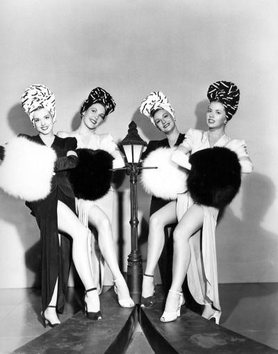 """"""" Chorus Girls - Meet Me On Broadway 1946 """""""
