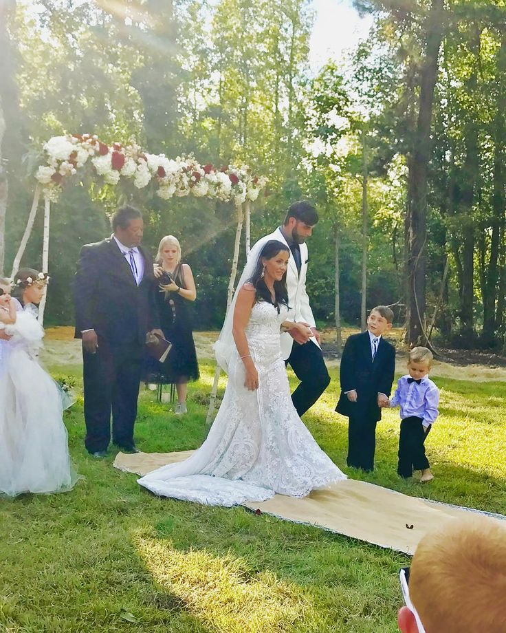 Jenelle Evans marries David Eason at North Carolina home Jenelle Evans from Teen Mom 2and her fiance David Eason have tied the knot. #TeenMom2 #JenelleEvans @TeenMom