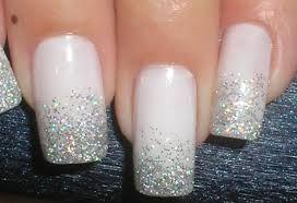 Cabeleza - Tudo sobre Cabelo e Beleza: Aprenda a retirar facilmente o esmalte com glitter das unhas