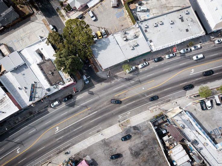 Untitled. Location: Silver Lake Los Angeles : DJI Mavic Pro  #dji #mavic #pro #djimavic #drone #silverlake #above #fromabove #city #urban #dronestagram #discovererdrone #dronephotography #echopark #losangeles #la #california #ca #usa #conquer_la #agameoftones #dronestagram #dronefly #nikcollection