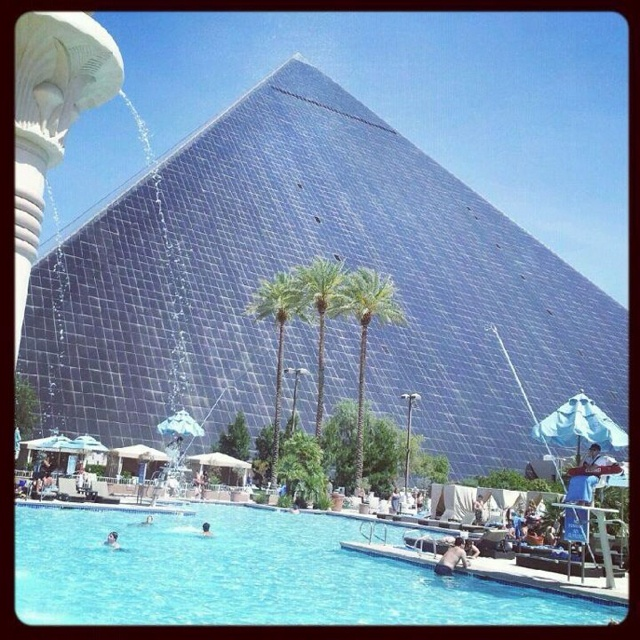 51 best images about las vegas jason 39 s 40th on pinterest - Luxor hotel las vegas swimming pool ...