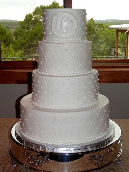 traditional wedding cake gallery quilted tiers and buttercream dot tiers weddingcake 21171