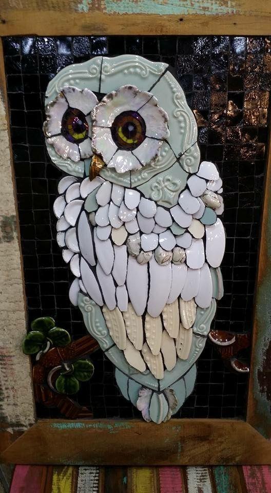 Coruja Mosaico Picassiette by Andrea Olighon