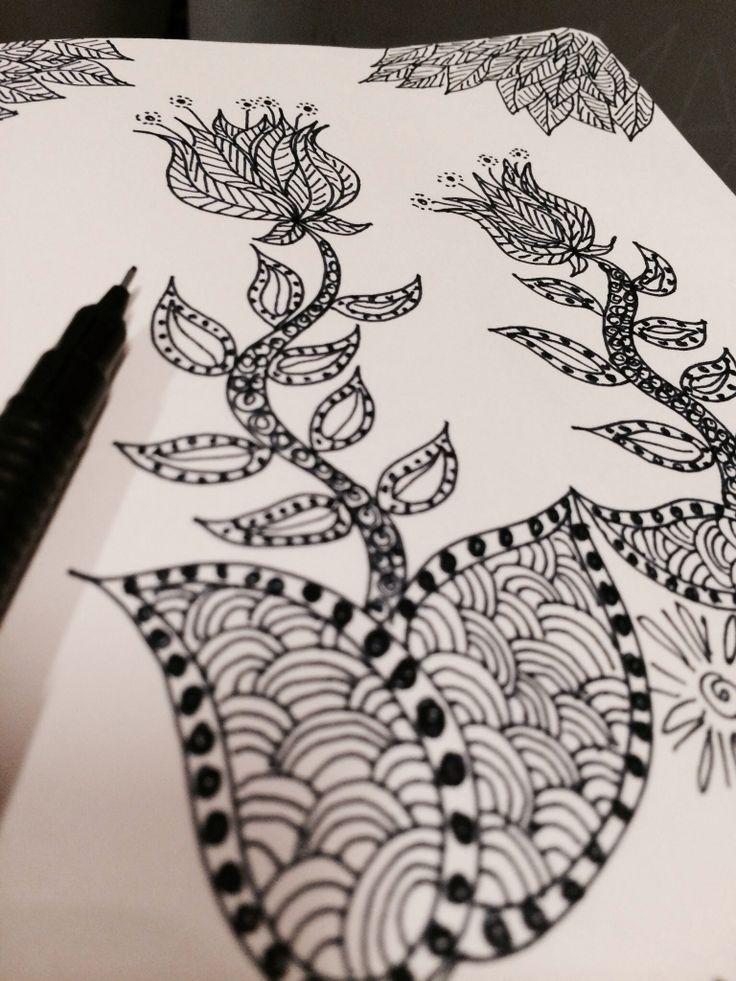 #Moleskine #ink #dessin #Draw #Flower #Zentangle Lumi poullaouec