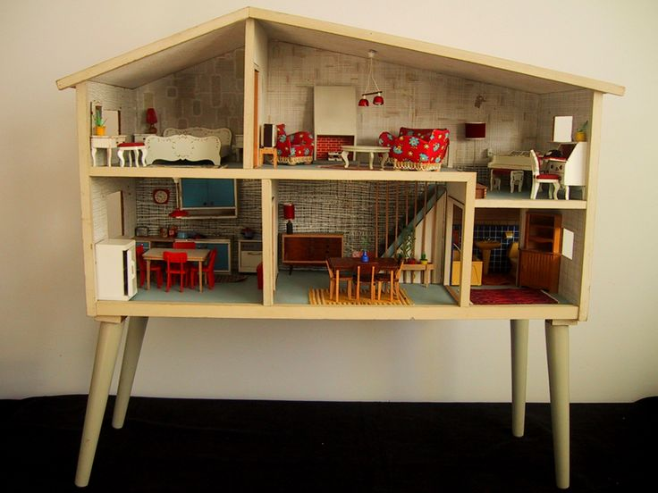 "Lundby dollhouse - c. 1967. I love how the legs turn this into ""furniture""!"