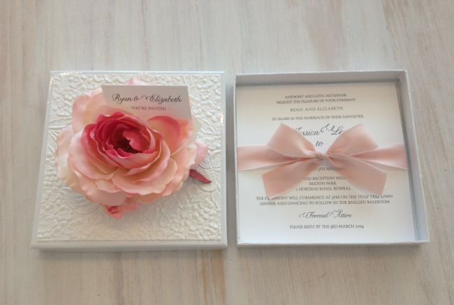 The stunning Vintage Boxed Rose Design!