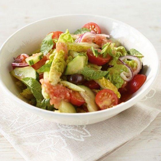 Gurken-Tomaten-Salat: Ein toller Sommersalat! Ahornsirup verpasst dem Dressing eine süßlich-herbe Note.