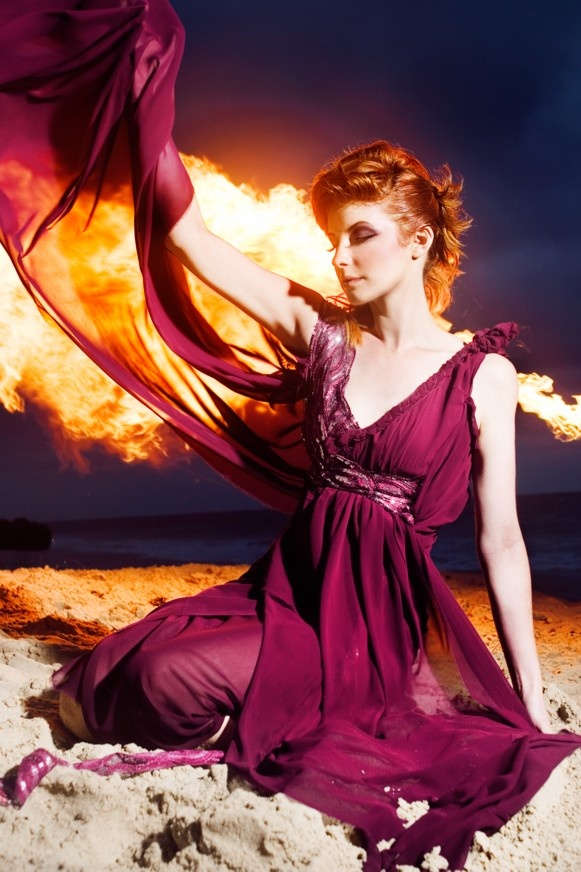 """"""" За мен единствените хора това са лудите... лудите в живота, в разговора по пътя си към спасението.  Тези, които никога не се прозяват и не говорят банални неща, а само горят, горят като красиви восъчни свещи! """" Джек Керуак - """"По пътя"""""""