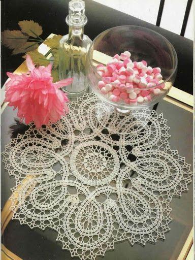 """Crochet """"Bruges lace mat"""" with diagram"""
