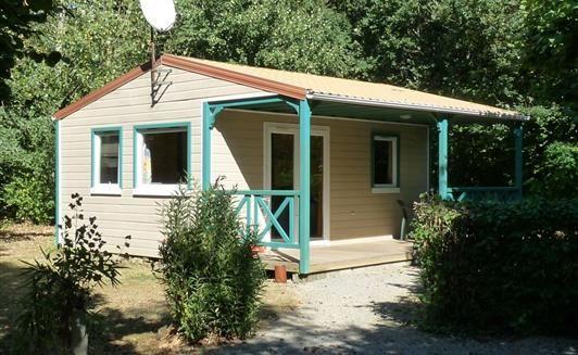 Chalet Bois 4 places - Location Camping à la ferme - location chalets en Vendée (85) proche du Puy du Fou et de la Roche sur Yon - Accueil paysan - La Maison Neuve - La Ferrière