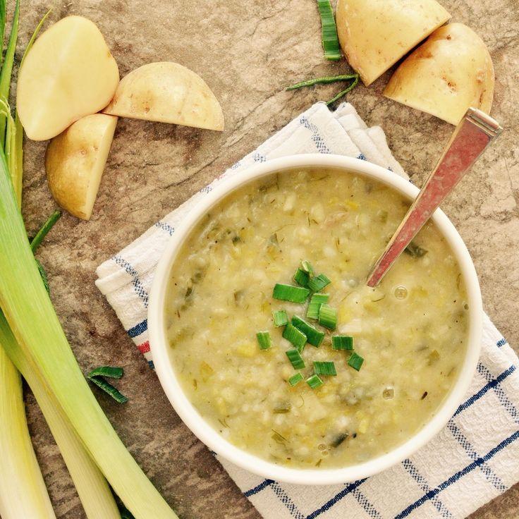 Potatis- och purjolökssoppa! Receptet finns i meny 10. . www.allaater.se