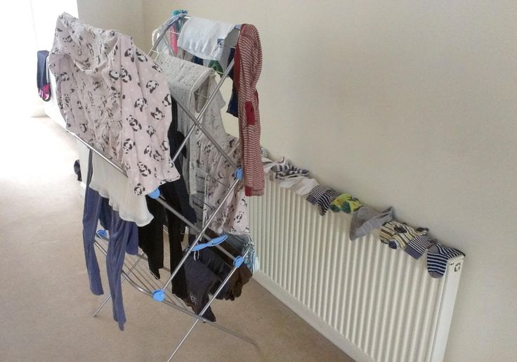 Dry clothes with a dehumidifier