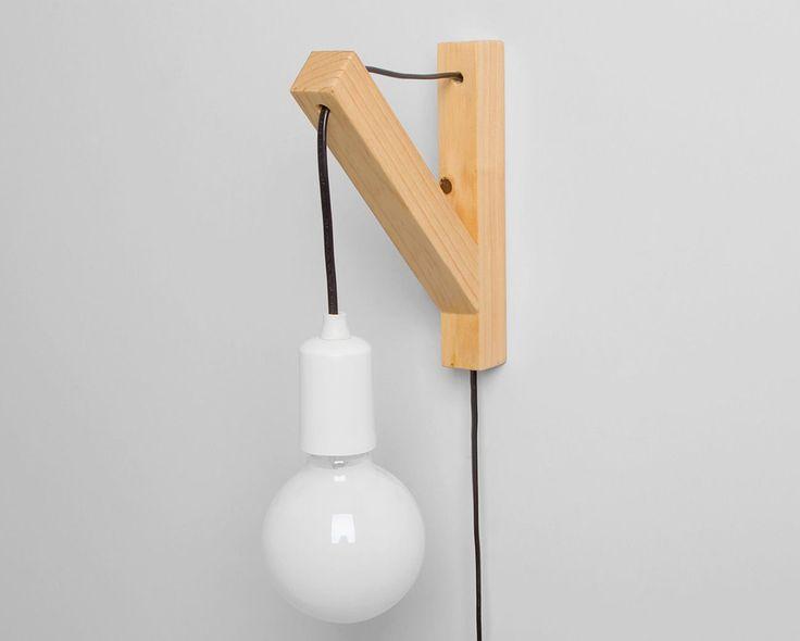 Arandela Orfeu  Seu formato todo moderno é muito funcional, já que a Orfeu não necessita de ponto de luz com fiação e fácil de ser instalada.   pode ficar perto da cama!