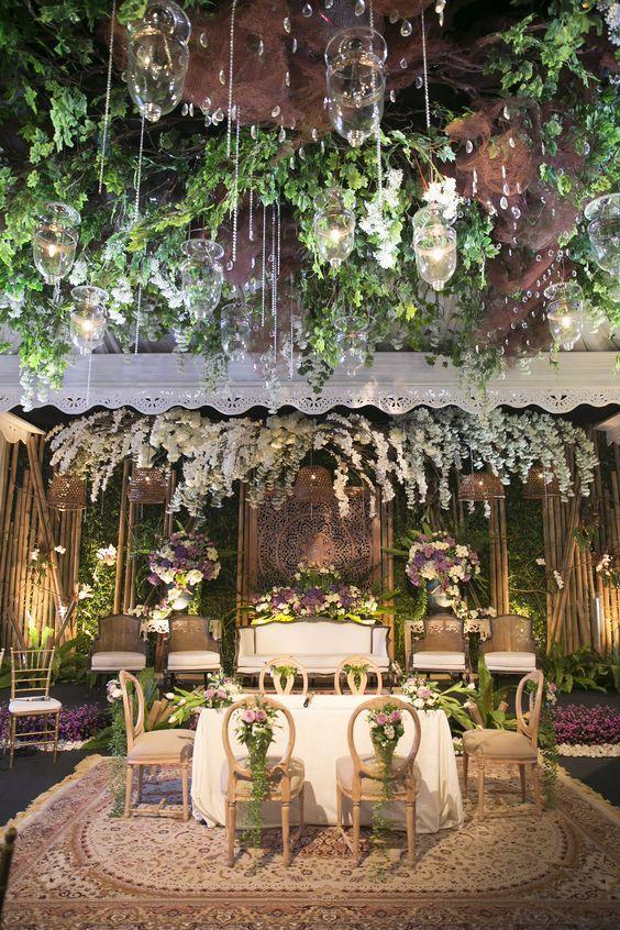 Classic White Sundanese Wedding - The Bride Dept pernikahan sunda jawa Denissa Sadikin Ivan nita kabul: