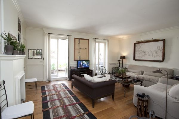 Rome, Italy Vacation Rental, 2 bed, 2 bath, kitchen with WIFI in Campo Dei Fiori. Thousands of photos and unbiased customer reviews, Enjoy a great Rome apartment rental perfect for your next holiday. Book online!
