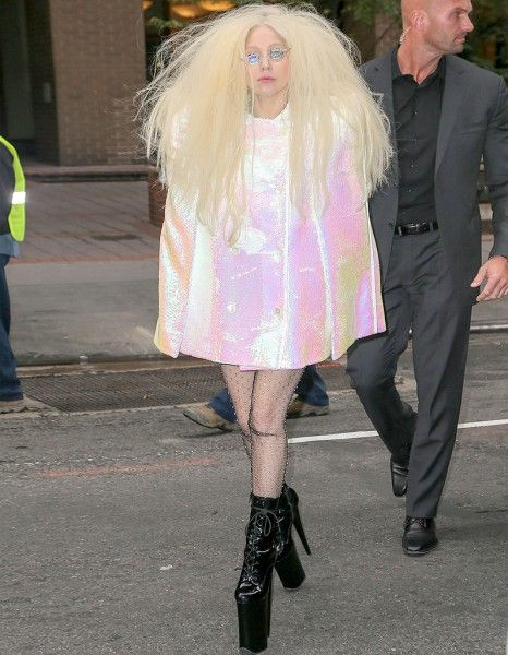 Lady Gaga Artpop h0les glasses