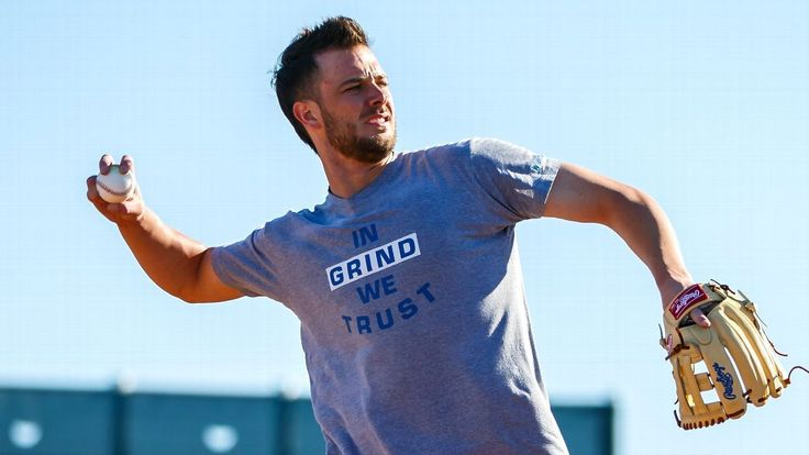 Q&A: Kris Bryant ready to rock with his 'faux hawk mohawk' #FansnStars