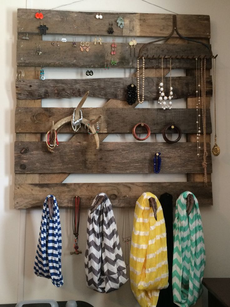 Wooden pallet jewelry holder. I made from special materials I have in the house.