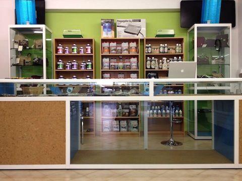Professional Growing - Inaugurato il nuovo Grow Shop di Genzano di Roma.