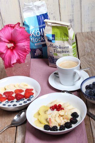 Porridge der Trend zum Frühstück mit frischen Obst