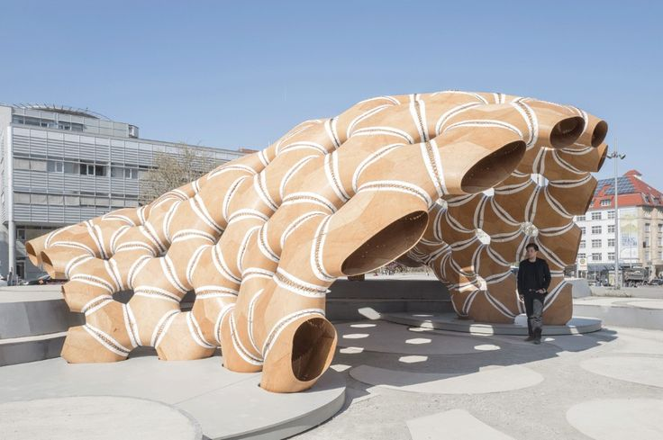 Osservando i ricci di mare e dollari della sabbia, l'ICD e l'ITKE hanno realizzato una struttura che mostra tutto il potenziale del design computazionale e dei nuovi processi di fabbricazione architettonica.