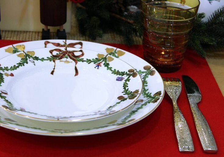 Den Sonntagabend mit einem leckeren Essen abschließen - und dann eine Schleife ums Wochenende wickeln?  Habt noch einen schönen Abend!  . #lotharjohn #lotharjohntischkultur #tischkulturdiewirlieben #tischkultur #royalcopenhagen #StarFlutedChristmas #bows #christmastable #sundaydinner #adventsessen #geschirrliebe #weihnachtsdeko #weihnachten2017 #porzellan #porcelain #designlife #designideas #hannover #galerieluise #hannovermitte #hannoverlove #hannoverlife #hannovercity #hannoverliebt…