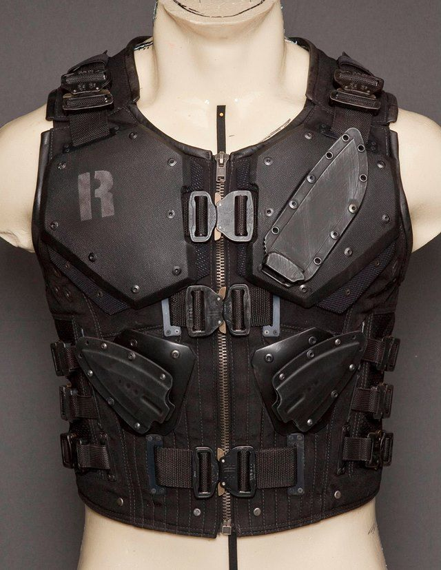 Oh, if only I could find the removable liner for my motorcycle jacket. It would make a perfect base to make this for airsoft and paintball.