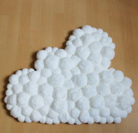 Blanc de Pom Pom tapis - pépinière blanc tapis - cadeau doux tapis - tapis nuage - Baby Shower - chambre de bébé unisexe Decor - enfants au sol tapis - tapis bébé pompon