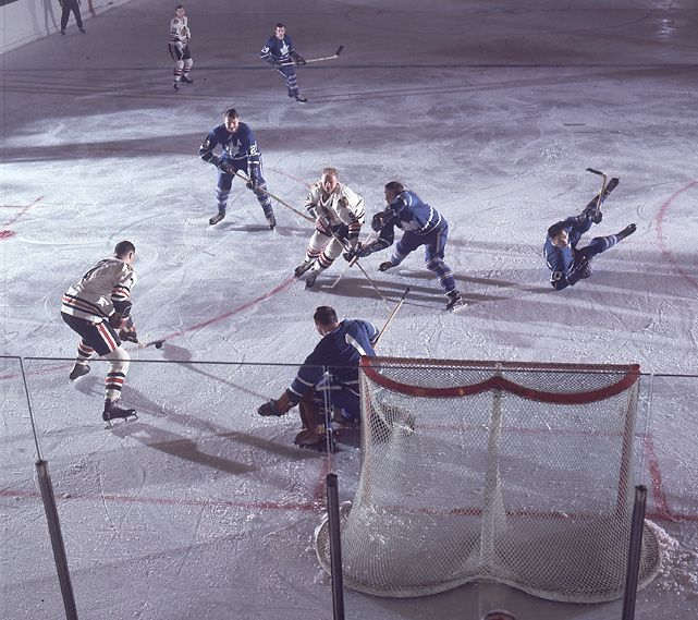 Chicago's Bobby Hull lines up a shot during a 1966 game between the Blackhawks and Maple Leafs in Toronto. Bobby Hull has Chicago on road to championship.