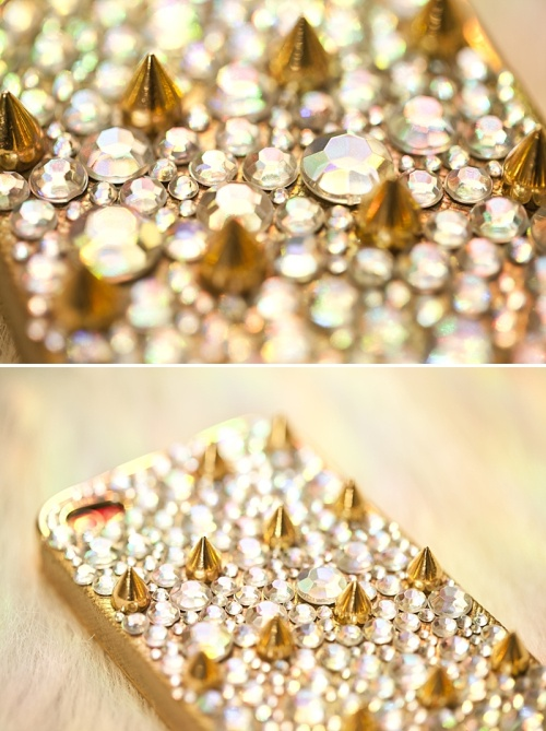 Exceptional DIY Studded Phone Case   MichelleandAlyssa.com