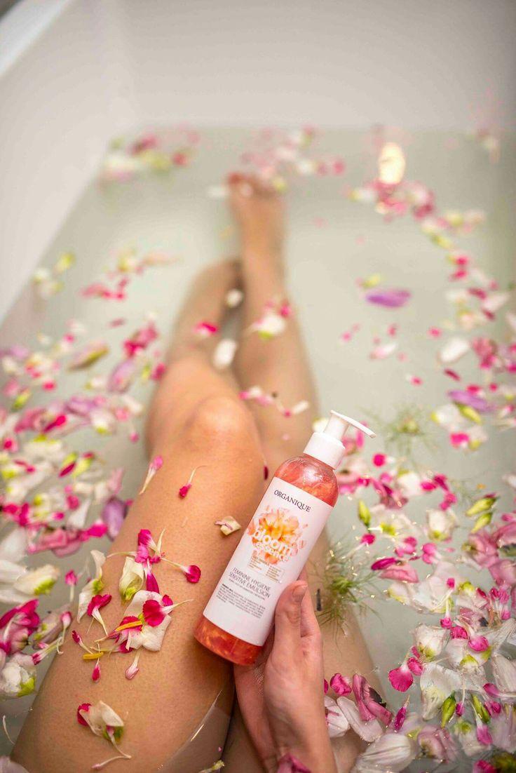 Bloom Essence Feminine Hygiene Sensitive Emulsion
