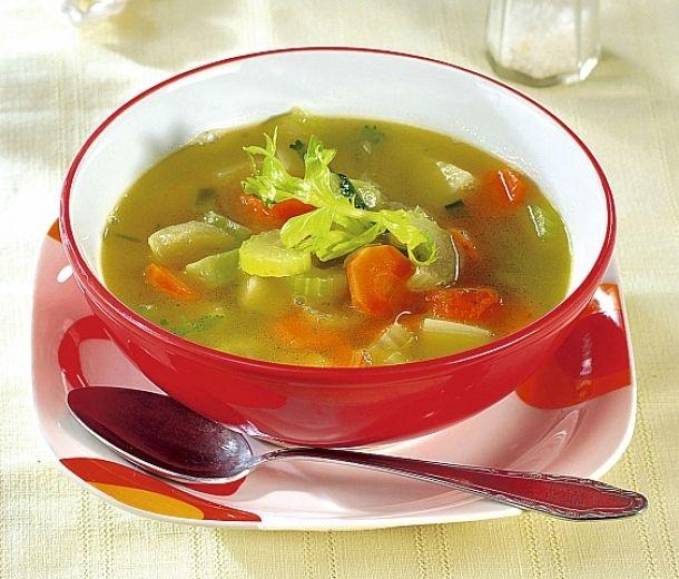 Lehká polévka zřapíkatého celeru
