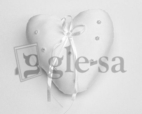 art 19988 cuscino stoffa portafedi cuore con strass cm 18.5 x 18.5 http://www.glesa.it/vetrine/cuscini-fedi