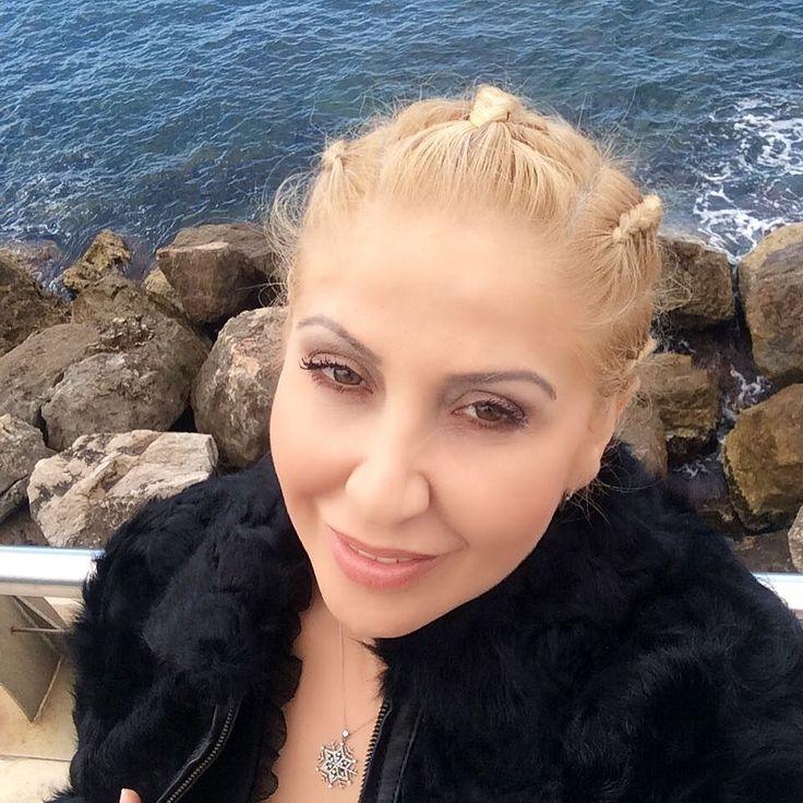 #Larvotto Kongre ve yine bilmem kaçıncı kez #monaco #montecarlo ve dünyanın en büyük kongre merkezlerinden #grimaldiforummonaco , en yenileri en son teknikleri tüm dünya doktorları ile paylaşmaya öğrenmeye geldik , Türkiye'den 20 hekim arkadaşımız ile ve yine Gaziantep den maalesef tek temsilciyim , tüm güzel dostlara sevgi ve deniz mavisi kalpler yolluyorum , yakalayınız efenim &#x1f