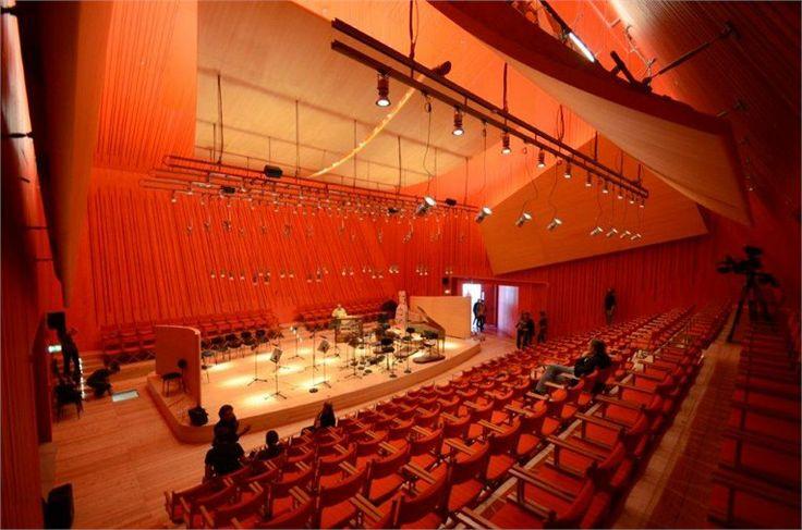 temporary-auditorium-in-l-aquila