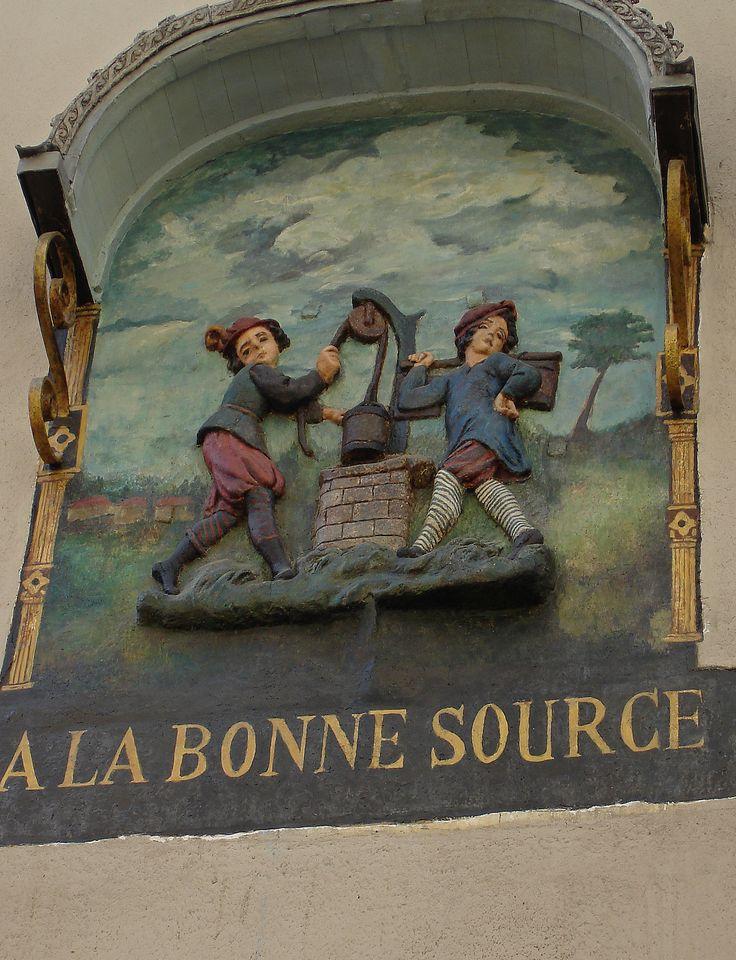 ancienne enseigne de Paris. http://visite-guidee-paris.fr