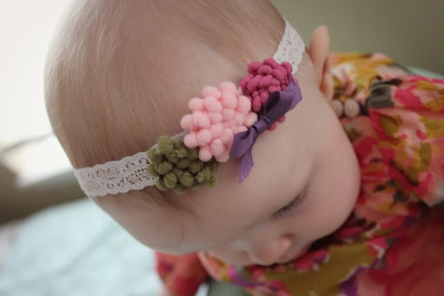 DIY Pom pom flower head bands: Craftdiy Ideas, Crafts Ideas, Baby Headbands, Head Band, Pompom Trim, Flower Headbands Tutorials, Baby Crafts, Pom Pom Trim, Trim Flower