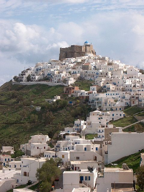 Astipalea    Astipalea is the westernmost island of the Dodecanese, located at the point where the Dodecanese meet the Cyclades. This is the reason why in Astipálea the characteristics of both island complexes blend together to create the island's uniquely varied scenery.