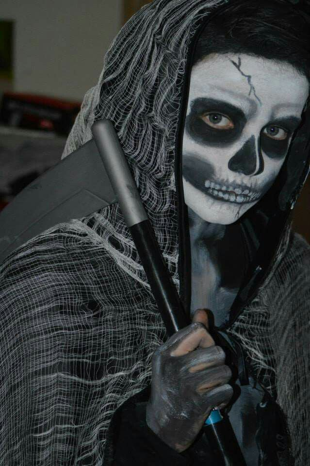 how to make a grim reaper costume from scratch